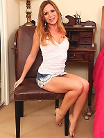 Bell pics Carly mature pussy